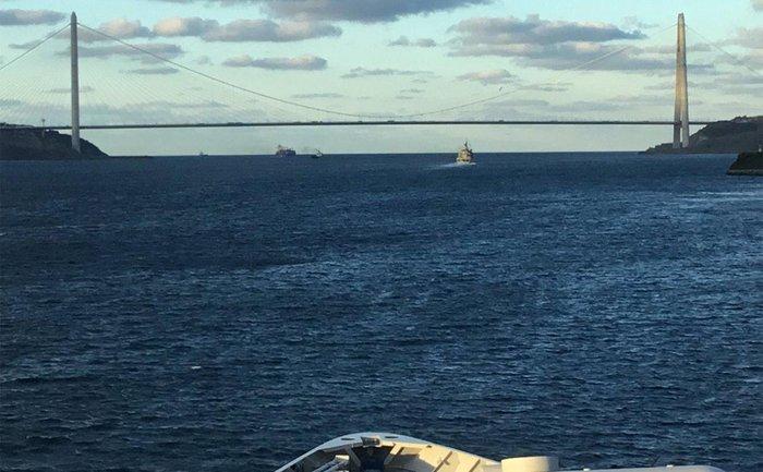 Корабли НАТО проходят через Босфор - фото 1
