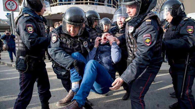 Силовики Путина просятся в Украину – ВИДЕО  - фото 1