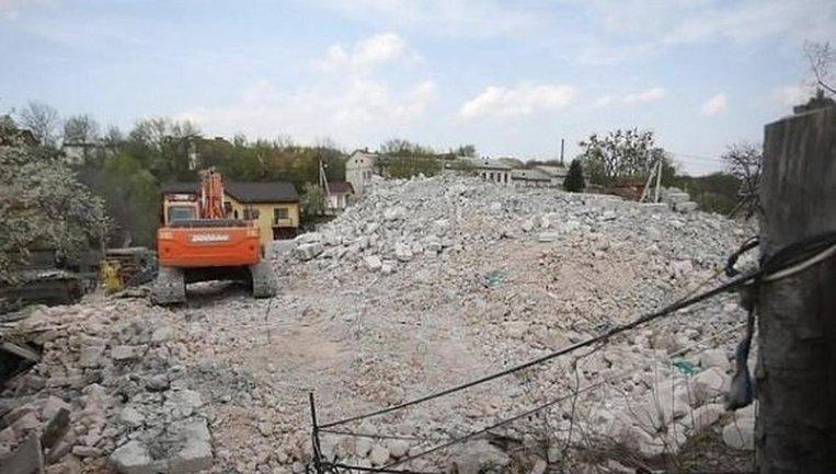 Во Львове произвели первый в Украине снос незаконно построенной многоэтажки - фото 1
