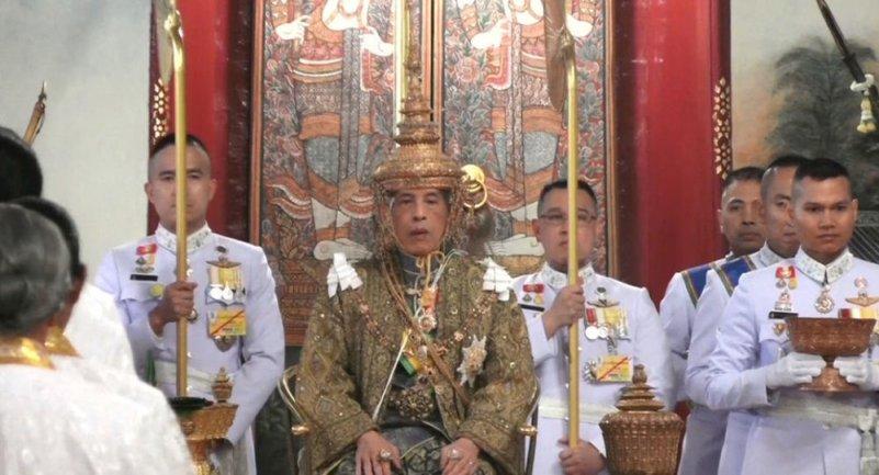 Король Таиланда взошел на трон  - фото 1