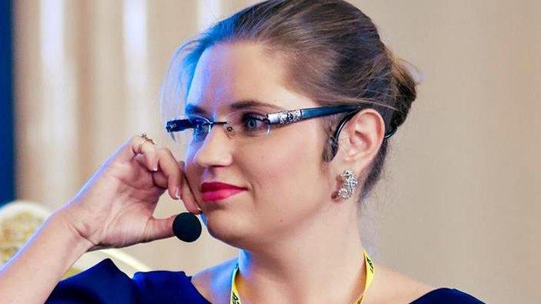 """Страхова обещает, что Коломойский не заберет """"ПриватБанк"""", а компенсацию получит - фото 1"""