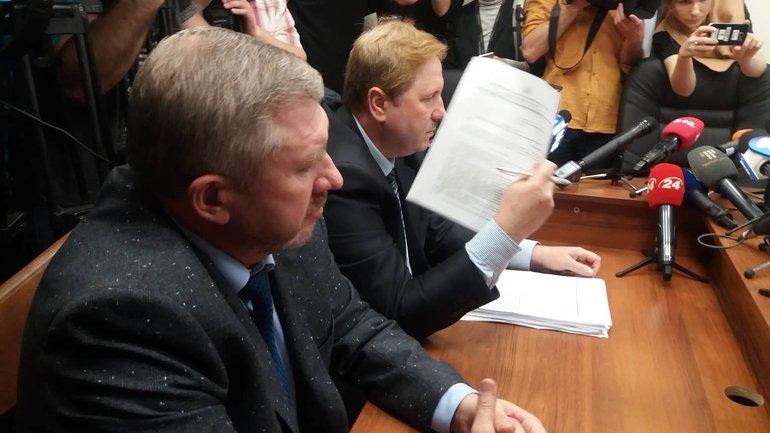 Юрий Аллеров не видит проблемы с двойным гражданством дочери - фото 1