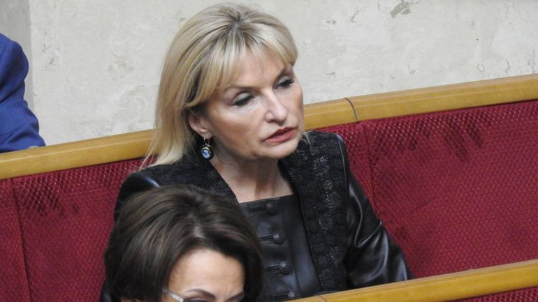 Ирина Луценко знает толк в украшениях - фото 1