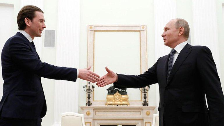 Курцу придется уйти из-за заигрываний с Путиным - фото 1