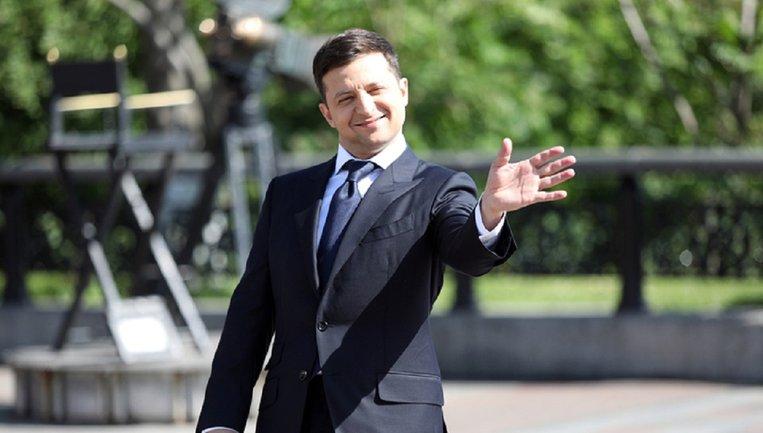 Зеленский хочет ВСЕХ впустить в администрацию - фото 1
