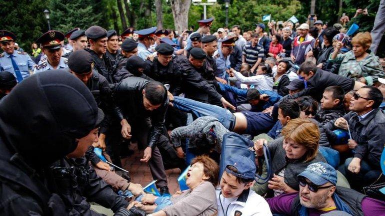 В Казахстане продолжаются массовые задержания - фото 1