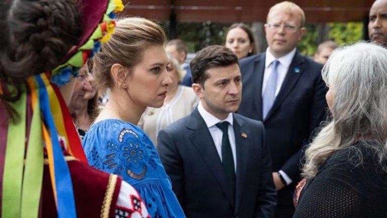 """Зеленскую унизили за """"нелепый"""" наряд – ФОТО - фото 1"""