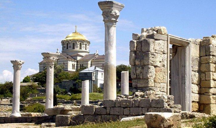 Русские пытаются легализовать оккупацию Крыма в ЮНЕСКО - фото 1