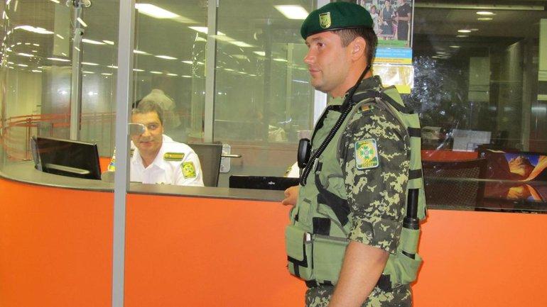 Пограничники беспрепятственно пустили Борисову в Украину - фото 1