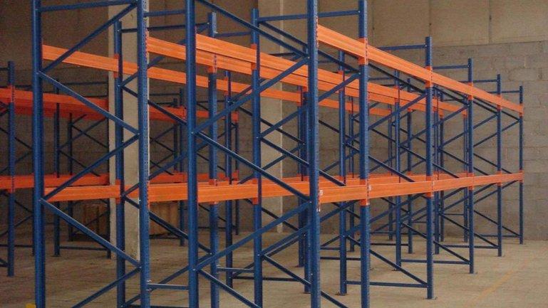 Полочные стеллажи упрощают работу многих предприятий - фото 1