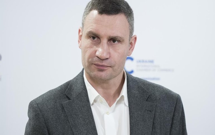 У Зеленского приступили к отбиранию власти у Кличко - фото 1