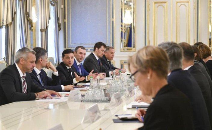 """Зеленский отчитался перед послами стран ЕС, НАТО и """"Большой семерки"""" - фото 1"""