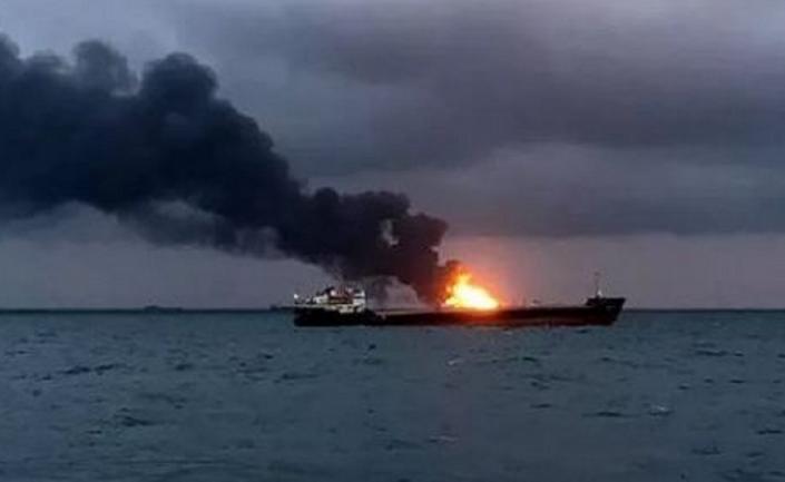 В Черном море сгорело российское судно. И ушло на дно  - фото 1