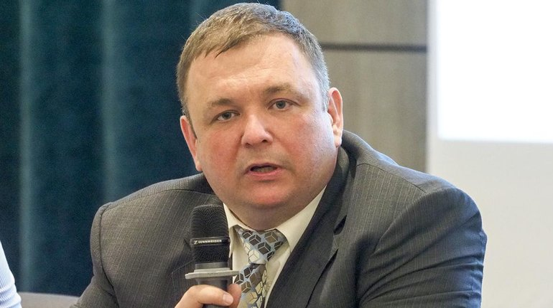 Шевчук пытается всеми правдами и неправдами вернуть себе должность - фото 1