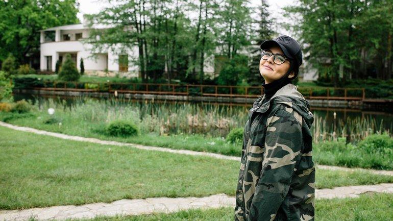 Участница Эксов Маша в детстве пережила  тяжелую травму - фото 1