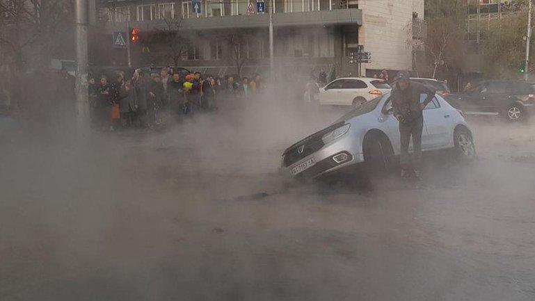 Коммунальное ЧП на перекрестке Шота Руставели и Саксаганского повторилось - фото 1
