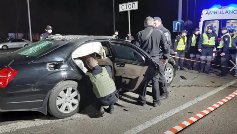 Оторвало голову: в Киеве взорвали авто, последствия печальны – ФОТО - фото 1