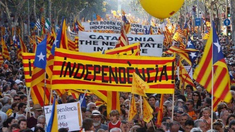Испанцы изучат влияние русских на референдум в Каталонии - фото 1
