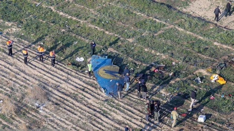 Разведки многих стран заявили о том, что лайнер МАУ упал из-за попадания ракеты - фото 1