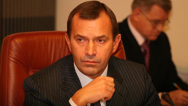 Клюева-старшего решили заочно арестовать - фото 1