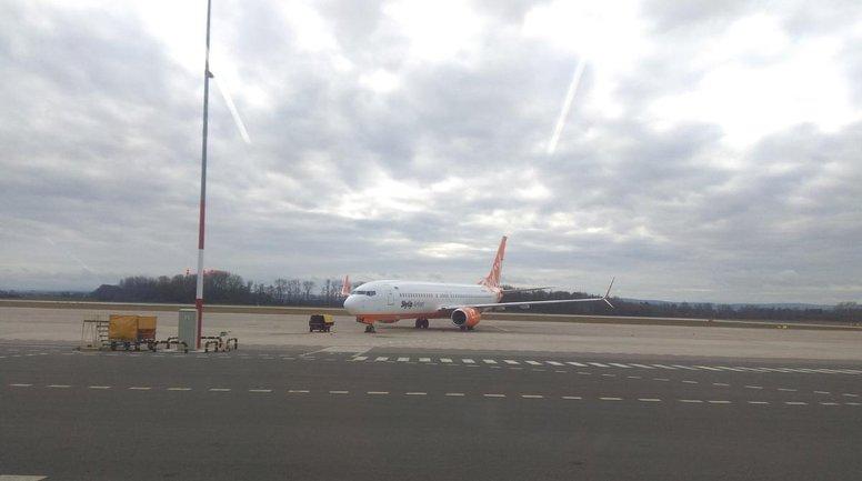 Самолет SkyUp сломался еще перед взлетом - фото 1