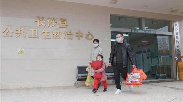 От китайского коронавируса вылечились больше людей, чем умерли - фото 1