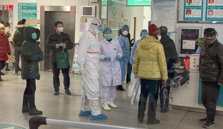 Из-за китайского коронавируса остановилось производство айфонов и другой техники  - фото 1