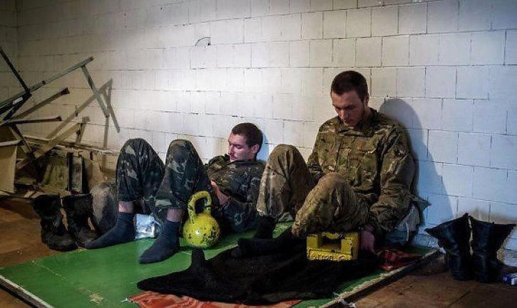 Украине по обмену подсунули пособников боевиков: Они издевались над заключенными - фото 1