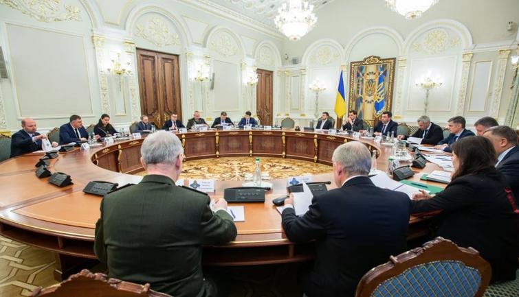 СНБО может закрыть границы Украины - фото 1