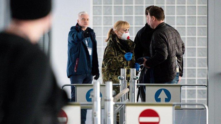 С 17 марта украинцы смогут добираться домой только по морю - фото 1