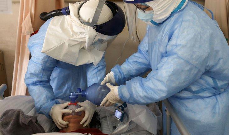 Украина закупила аппараты искусственного дыхания на сотни миллионов - фото 1