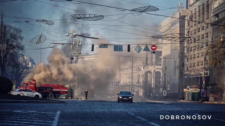 Огонь уничтожил подземные телекоммуникации в центре Киева - фото 1