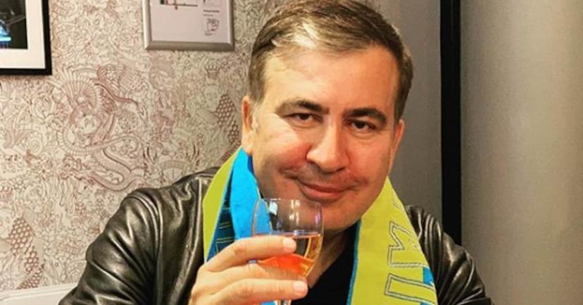 Саакашвили ищет помощников в интернете: Кто ему нужен? - фото 1
