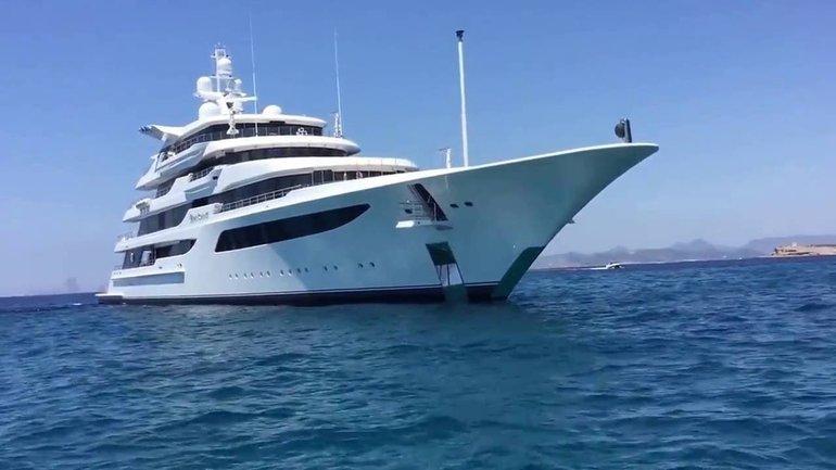 Яхта Медведчука такая огромная, что не вмещается в кадр - фото 1