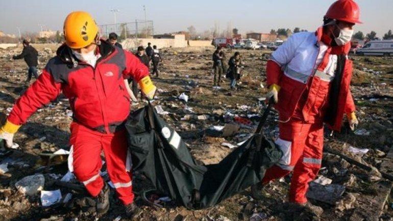 """Иран отправил самописец сбитого лайнера  """"МАУ""""  во Францию  - фото 1"""