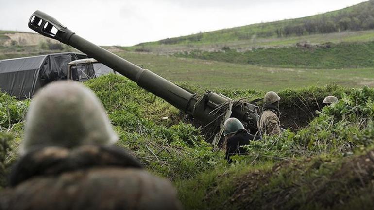 На границе с Азербайджаном и Арменией продолжаются бои - фото 1