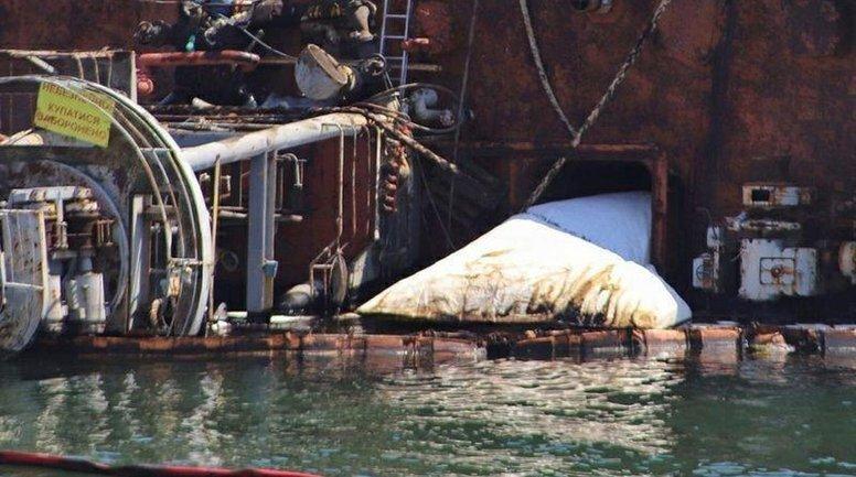 Попытки поднять танкер Delfi оказались провальными - фото 1