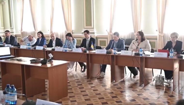 Украина будет требовать максимальные компенсации для семей погибших - фото 1