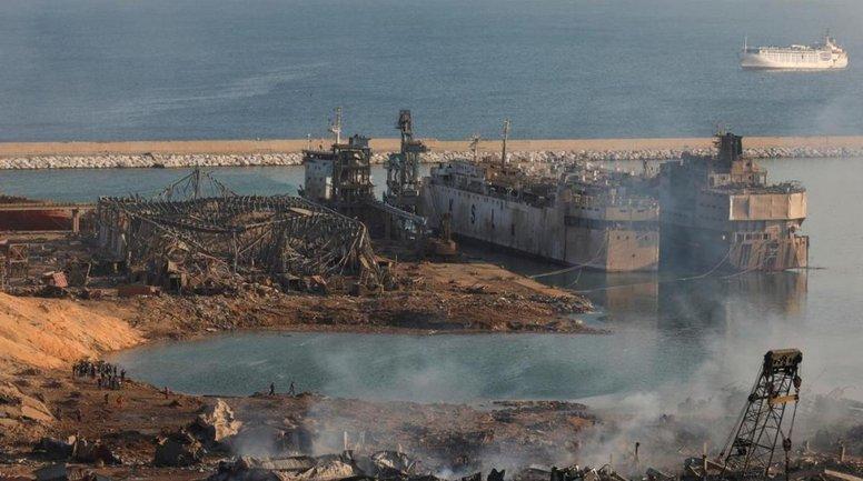 В момент взрыва в порту Бейрута стояли два украинских танкера - фото 1