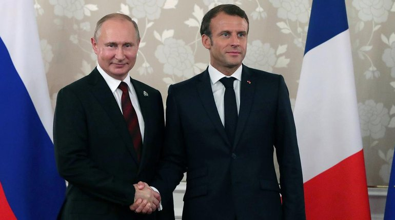 Макрон провел переговоры с Путиным - фото 1