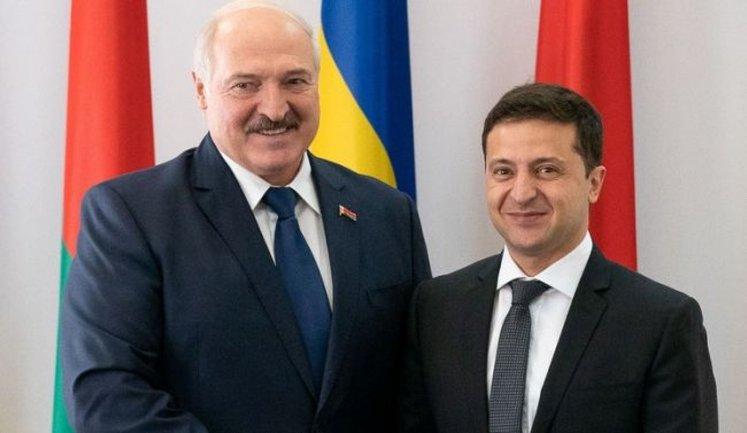 Лукашенко поздравил Зеленского с Днем Независимости и вспомнил о дружбе - фото 1