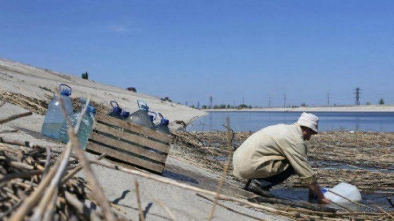 Оккупанты Крыма вновь ограничили подачу воды, местные стонут от жажды  - фото 1
