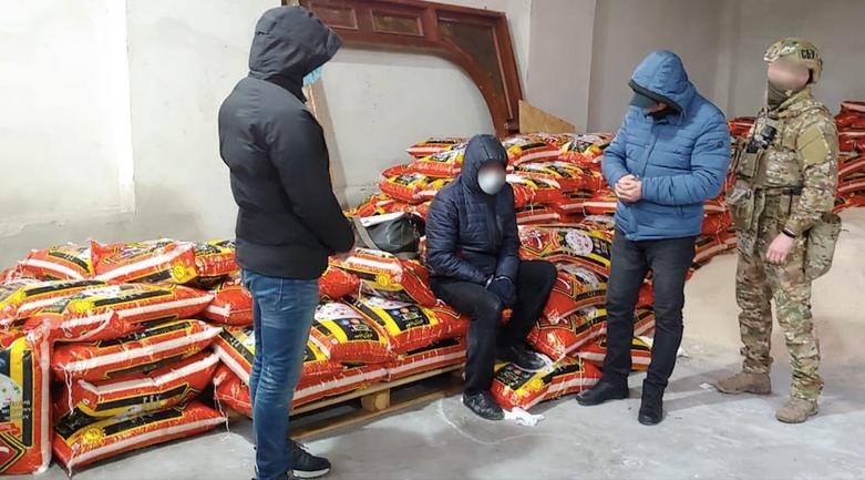 Турки везли тонну героина вместо риса - фото 1