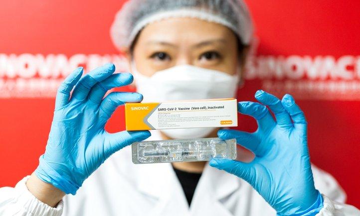 Китайська вакцина незабаром з'явиться в Україні - фото 1