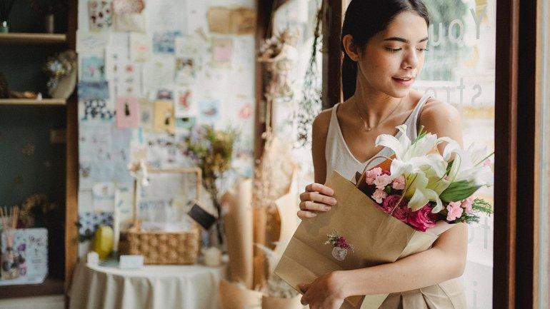 Почему важно дарить подарки женщинам? - фото 1