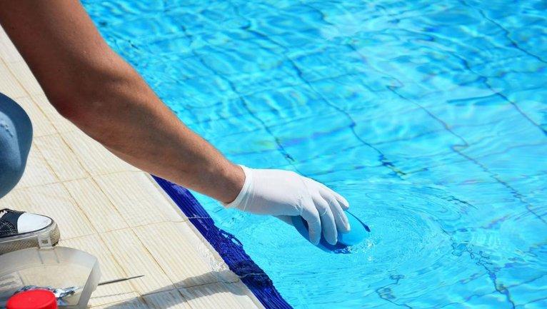 Альгицид для бассейна – лучшее средство против водорослей и цветения воды - фото 1