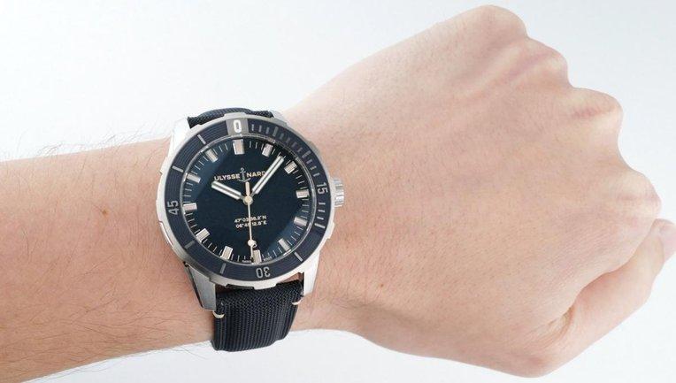 Швейцарские часы: по-настоящему заветный аксессуар - фото 1
