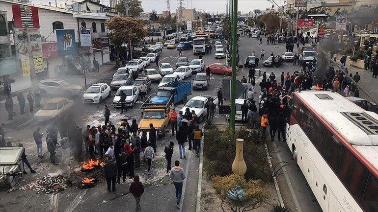 В Ірані - голодні бунти - фото 1