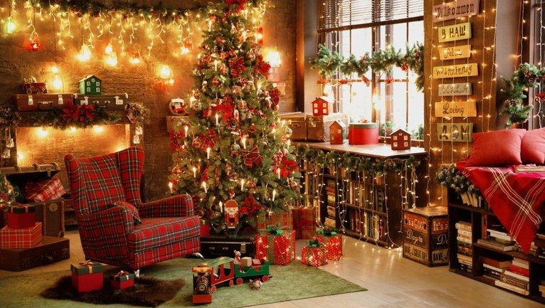 Как креативно украсить елку к празднику: 7 интересных идей - фото 1